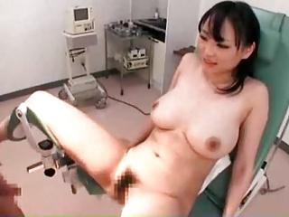 診察台に乗せられたまま爆乳を揉まれ舐められながらのSEX