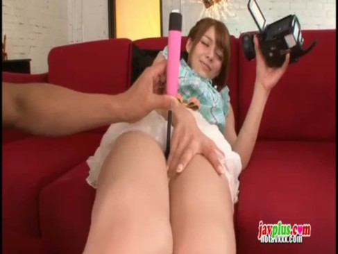 激エロ美少女女教師Rioちゃんが手マンで大量潮吹きwww