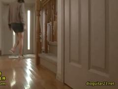 人妻の横山美雪が夫の部下の他人棒でイキまくり♪激しく突かれて女の悦びを実感するエロ動画☆