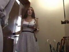 友田彩也香 かわいいママ友がノーブラで自宅に訪問して来た