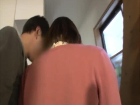 【アナル】素人、鈴村あいり出演のアナル動画。大人しそうな美少女は素人くんのアナルまで舐めちゃうほど積極的w鈴村あいり
