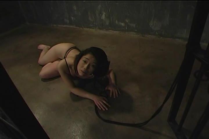 青井マリむっちり垂れ乳熟女が拘束され黒人のち○ぽを突っ込まれて調教セックス