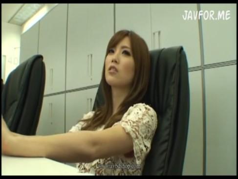 スレンダー美女加藤リナがハメ撮りで敏感すぎて喘ぎまくり