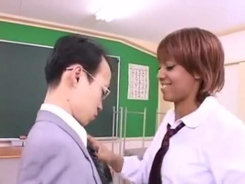 乳首黒い巨乳ギャル女子校生と連続セクロスがハンパない!