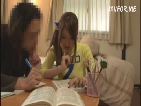 【家庭教師のギャル動画】Jカップの美巨乳おっぱいおっぱいをいかした家庭教師のエッチな授業風景がこれ!仁科百華