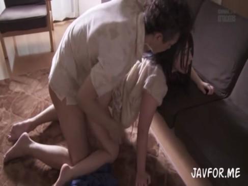 上原亜衣:生々しくて衝撃的…!?ひっぱたかれてマジ泣きしながら男たちに犯されちゃう…