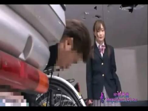 自転車置き場でガチレイプされちゃった美少女が最後に無理やり中出しされた