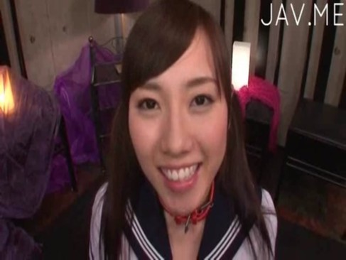 ドMな笑顔満点美少女にザーメン大量ぶっかけ!
