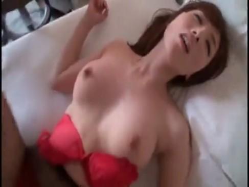 極上お姉さんをホテルに連れ込みハメ撮りすることに性交もとい成功!