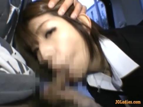 緊張気味の初々しいOLと社内でフェラチオ&セックス