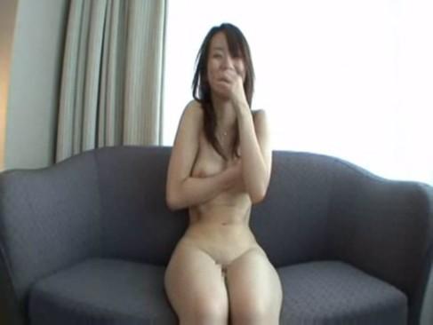 素人のデカパイお姉さんと旅館でハメ撮りセックス
