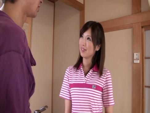 ゴルフ練習合宿で美人な先生にSEX教えてもらってるw