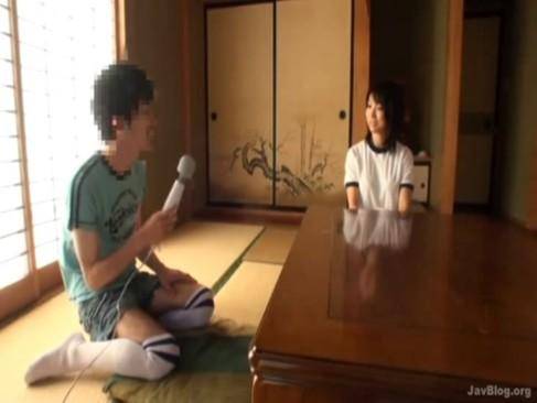 堀口奈津美・大堀香奈-巨乳ママにイタズラ!?オッパイやアソコをヤリたい放題!