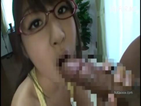 メガネ巨乳っ娘との部屋でのセックスがエロ過ぎてやばいぞぉ