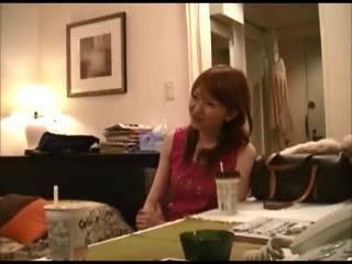 素人嬢をホテルに連れ込みハメ撮り盗撮した動画が流出!