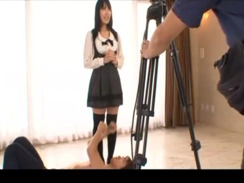 元アイドルの由愛可奈がイメージビデオ撮影と騙され突然現れたAV男優にハメられる?!