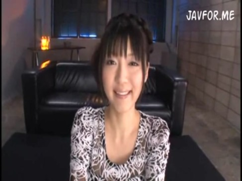 巨乳ロリ姫野ゆうりちゃんが極太チンコが好きすぎて自ら騎乗位腰振り!!