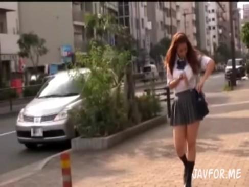 ハーフ女子校生ナンパ成功!自慢のデカ尻をバックから激ピストン!!