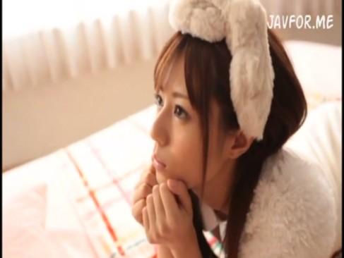 瑠川リナ:アイドルみたいな美少女がカメラ目線でフェラチオ!オナニーサポート