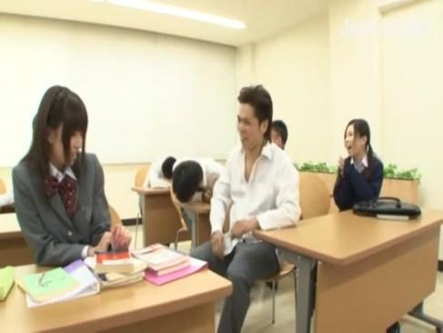 内気なイジメられっ子JKがクラスの男子たちに順番にハメられちゃう