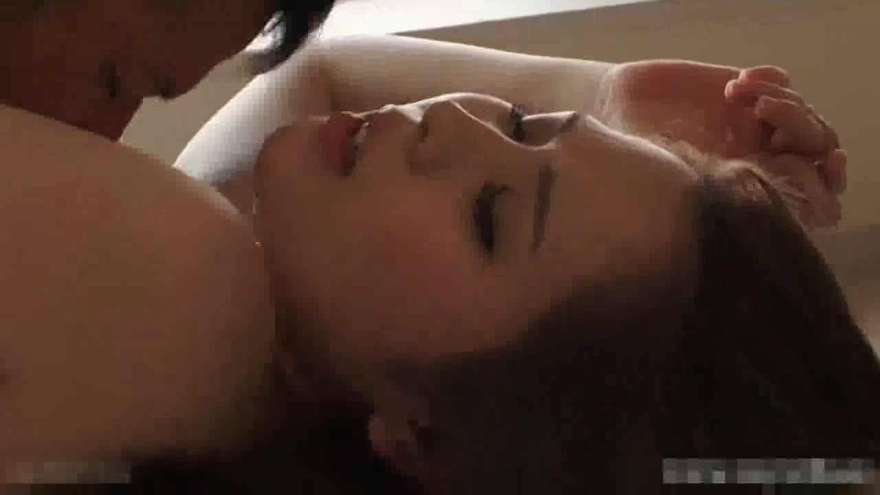 昼間から夫に隠れて不倫セックス楽しむスタイル抜群のS級美女人妻!