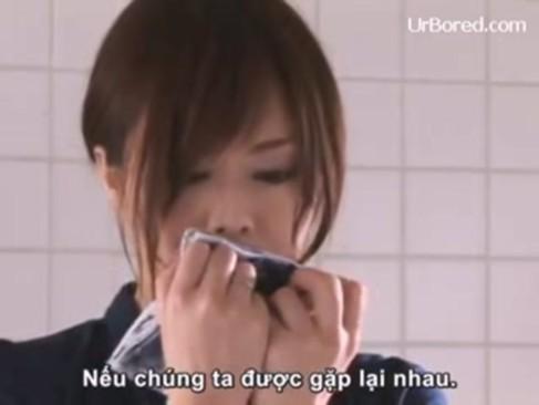 美巨乳女教師吉沢明歩が生徒達に弱みを握られ襲われて抵抗できず陵辱&輪姦
