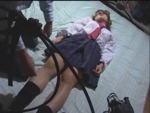 帰宅中の美少女JKを拉致監禁し拘束してからレイプハメしまくる!
