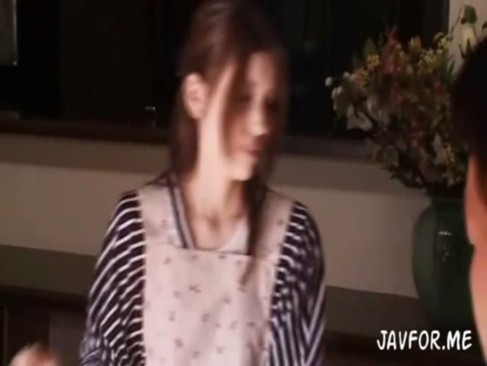 美乳美人妻芦名ユリアが自宅で強姦魔に襲われて快楽奴隷メス豚化