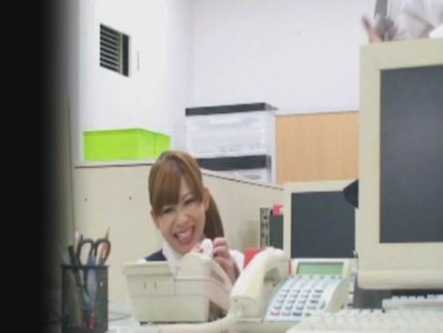 社内で有名な美人メス豚OLが上司の精子を搾り取って大興奮しちゃう