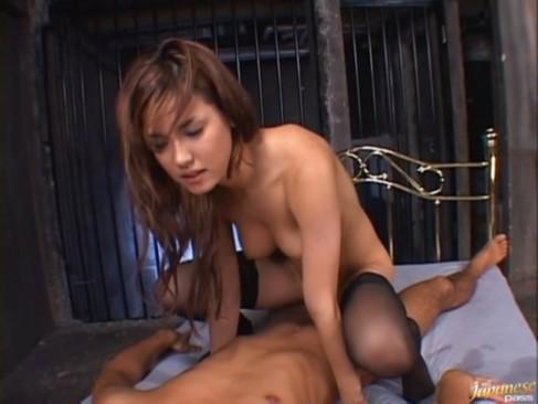 スレンダーなハーフ美女の小沢まりあちゃんが美巨乳揺らして濃厚SEX!