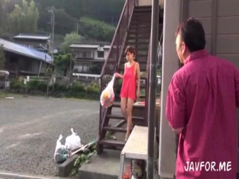 近所の奥さんが捨てた使用済み下着で興奮して我慢できず襲っちゃった・・・[3]
