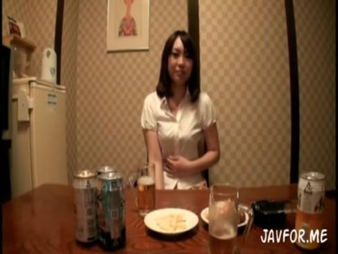 エッチで可愛いギャルを酔わせてホテルに連れ込みハメ撮り![3]