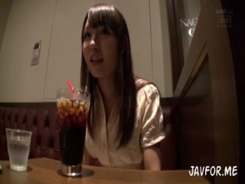秋田の素人娘にハメ撮り交渉してホテルで強引に3Pハメwwww[2]