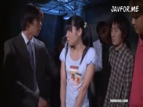 JCアイドルがファンやスタッフの怒りを買い集団レイプされちゃうぅ!