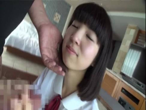 初撮り!●気な制服少女が挿入されてガチで痛がる・・