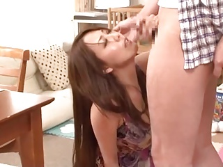 媚薬を盛ったらスレンダー巨乳妻がチンポを求める淫乱女に豹変!