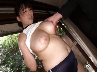 体操着ムチムチ爆乳痴女の執拗な密着手コキで射精!