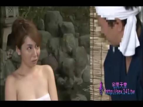 温泉にて、スタイル抜群の美人のバック無料jukujyo動画。       スタイル抜群の麗しボディの美人奥さまが温泉の男性従業員と露天風呂で立ちバック