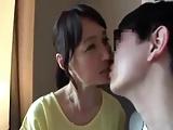 人妻動画:安野由美