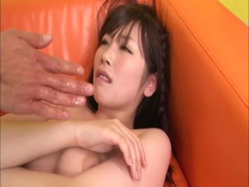 愛撫するたびジンワリ愛液垂れ流す激エロお姉さんと濃厚SEX!