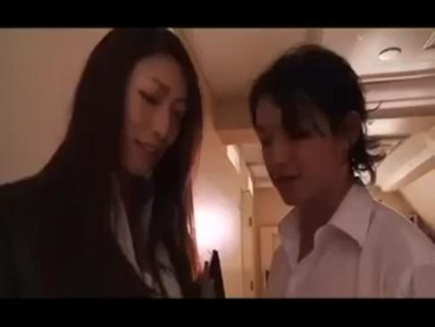 綺麗で巨乳な女教師が学校の色んなところで凌辱的に犯される・・・ッ!