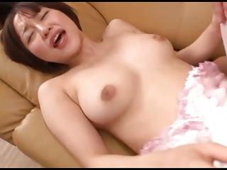 ショートカットの人妻のぶっかけ無料熟女動画。       ショートカットが似合う変態美人妻に大量ぶっかけ