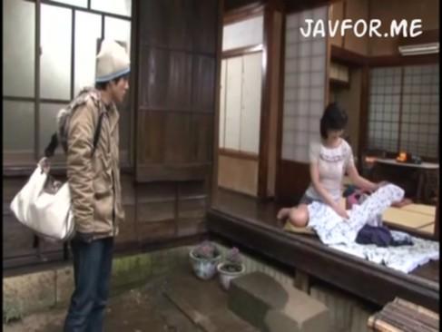 お母さんの無料jyukujyo動画。       お母さんってよく見てみるとメッチャ興奮するわww【無料アダルト】
