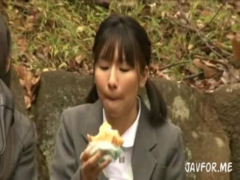 まだチンポも見たことない純粋女子JCが山奥で監禁レイプされる☆