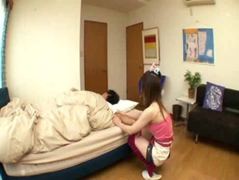 ロリ顔の妹がお兄ちゃんの部屋に来て手コキでチンポすっきりさせてくれる!