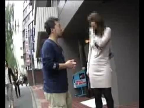 街を歩く人妻をナンパしてホテルに連れ込み強引に中出しwwww