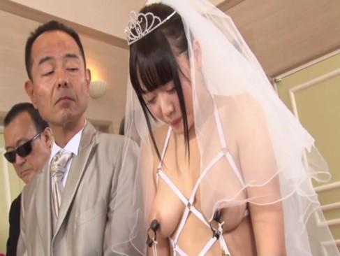 性奴隷の美少女と結婚することになり折角なので世界一卑猥な結婚式にしてみた