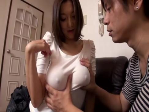 ショトカG乳人妻が自慢の巨乳を使って精液搾り取り!