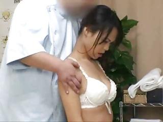 身体を癒しに来た人妻がエロマッサで発情SEX!