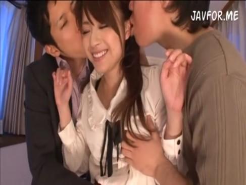 愛花沙也:モデルカテキョをアニ貴と一緒にハメ倒す